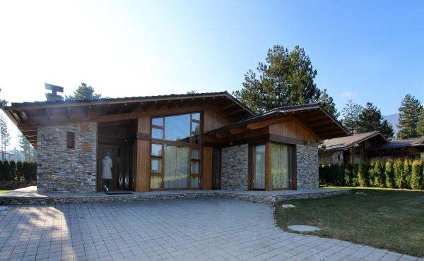 Болгария. Новый дом на горнолыжном курорте Банско.